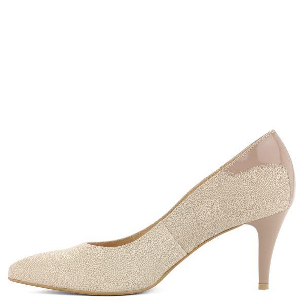 Bézs színű elegáns női cipő 7,5 cm magas sarokkal.