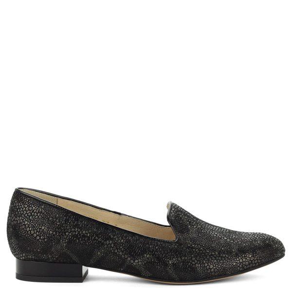 Fekete Anis cipő kis sarokkal. A cipő kívül-belül bőrből készült, utcai- és alkalmi cipőnek is ajánljuk.