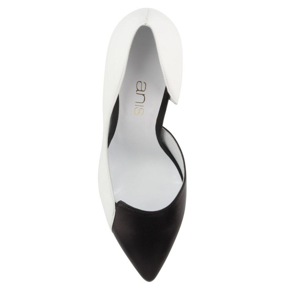 5b6edcfc1d Fekete-fehér elegáns női bőrcipő. Sarka 9 cm magas, belső oldala nyitott.