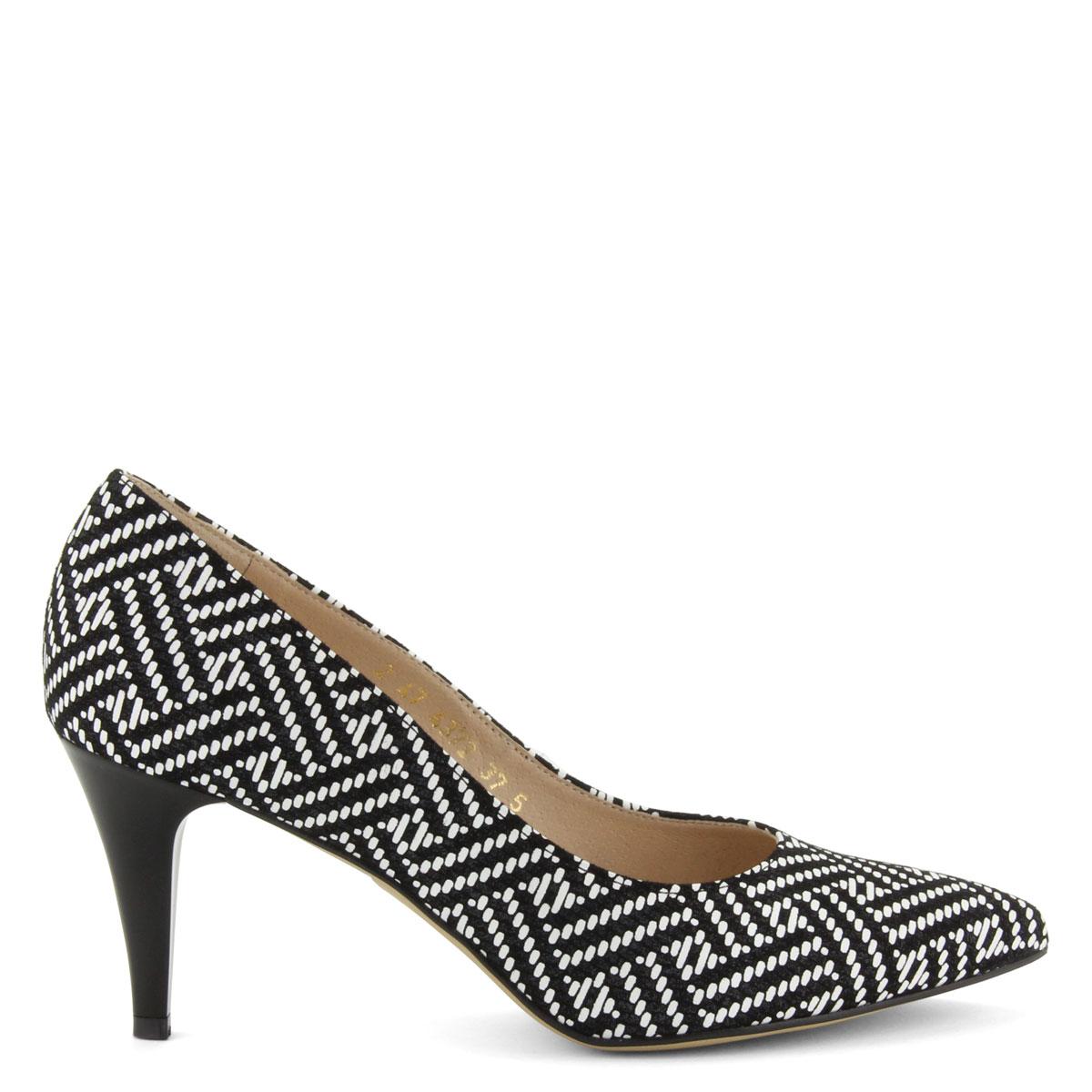 65046f3d4b Fekete-fehér színű, hegyes orrú női cipő mintás bőr felsőrésszel, 7,5 ...