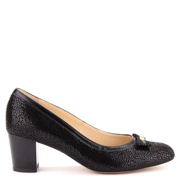 5,5 cm magas sarkú elegáns női bőr cipő párnázott bőr talpbéléssel. Felsőrésze strukturált bőrből készült, elejét masni díszíti. Márka: Anis Szín: Fekete Modellszám: 3542 BLACK DIAM