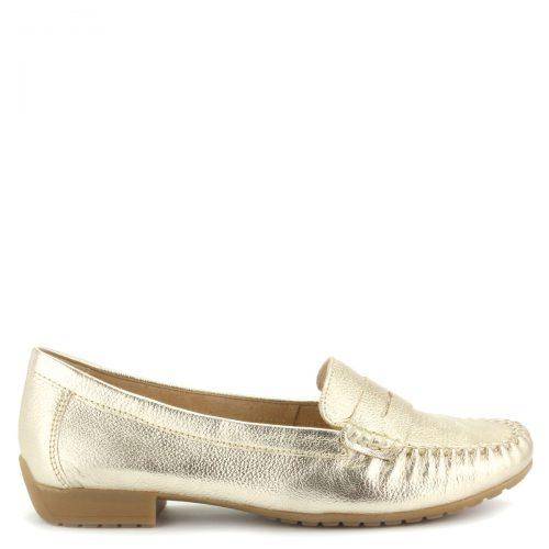 Csillogós arany színű Caprice mokaszín puha bőrből, hajlékony gumi talppal.