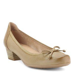 Világos Caprice női bőr cipő, felsőrészén masni díszítéssel 3,5 cm magas sarokkal.