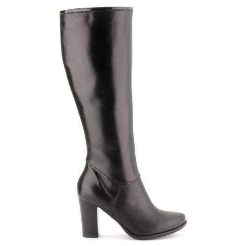 Fekete magas sarkú női bőr csizma kb 8,5 cm magas sarokkal, meleg filc béléssel. Szára 38 cm hosszú.