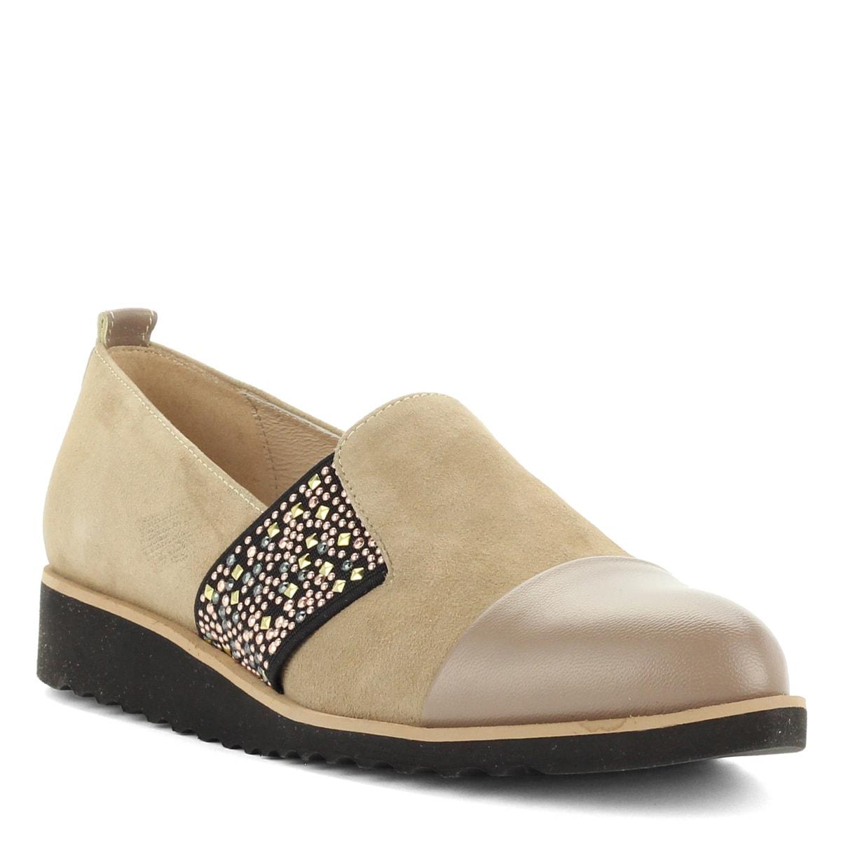 3fbabc0ca6 A cipő · Luca Cavialli belebújós női bőr cipő bézs színben, oldalán  díszített gumi betéttel.