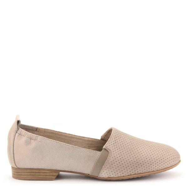 Világos színű belebújós Tamaris cipő. Felsőrésze bőr és textil kombinációja, puha memóriahabos Touch It talpbéléssel készült. Márka: Tamaris Szín: PEPPER COMB