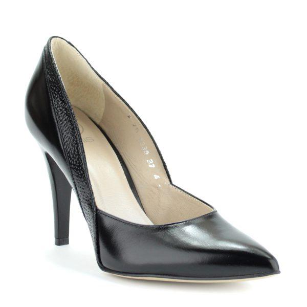 Fekete színű magas sarkú alkalmi cipő. Sarka 9 cm magas. Felsőrésze és bélése is bőr. Oldalán anyagába nyomott díszítés található.