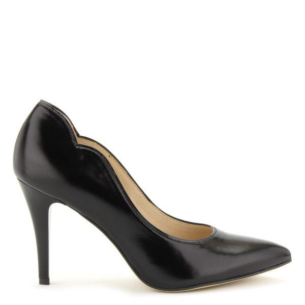 Anis magas sarkú bőr alkalmi cipő 9 cm magas sarokkal. A cipő felsőrésze és bélése egyaránt bőr.