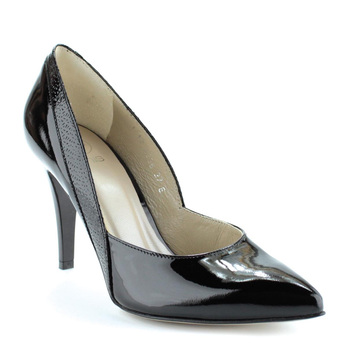 Felsőrésze és  Fekete színű magas sarkú lakk alkalmi cipő. Sarka 9 cm magas. 97ea7ab6b6