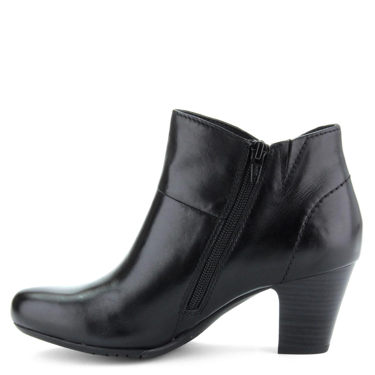 Fekete bőr női bokacsizma. Vékony béléssel készült. Sarka 6 cm magas. e8ffb5c24a