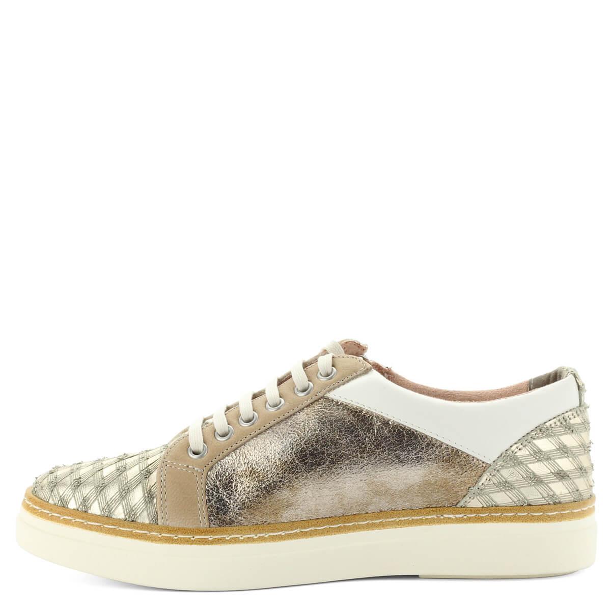 Arany színű Tamaris sneaker. Puha memóriahabos Touch It talpbéléssel  készült pillekönnyű cipő. 0ddf1c1502