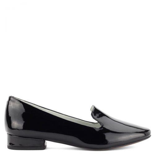 2,5 cm magas sarokkal készült, nagyon kényelmes és elegáns, prémium minőségű Be Natural női cipő lakk bőr felsőrésszel és bőr béléssel.
