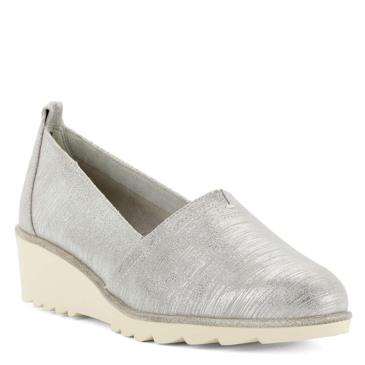 ... Ezüstös csillogású Tamaris cipő kb 4 cm magas sarokkal. Kényelmes  memóriahabos talpbéléssel készült 024b7bd829