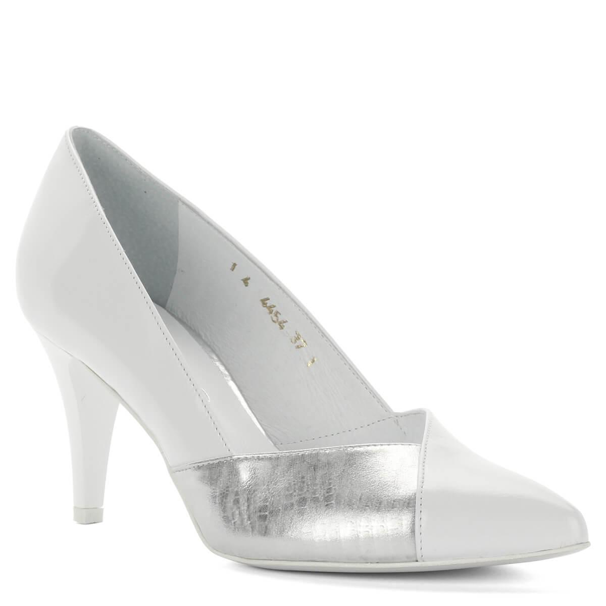 Orrán ezüst  Anis fehér alkalmi cipő. Elegáns hegyes orrú fazon 8 cm magas  sarokkal. 432443fff6