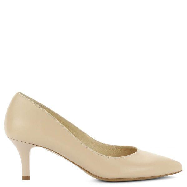 Bézs Kotyl körömcipő közepes sarokkal. Elegáns női cipő utcai és alkalmi viseletre. Bőr béléssel és bőr felsőrésszel készült, 6 cm magas sarokkal.