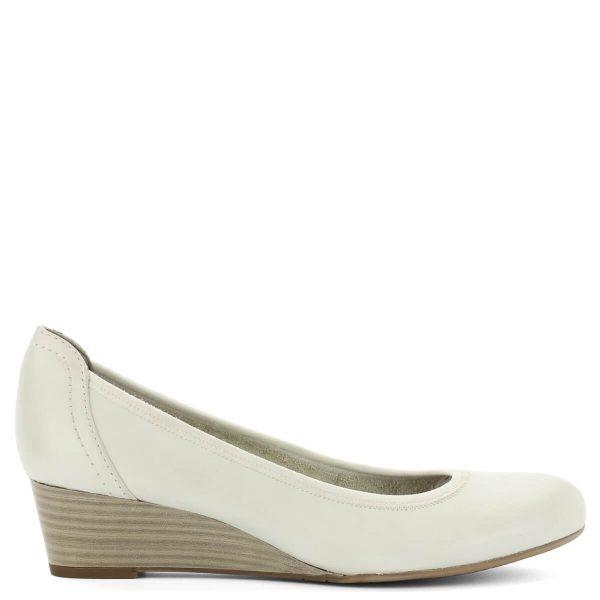 Telitalpú fehér Tamaris cipő bőr felsőrésszel, kényelmes 4 cm magas sarokkal, mely reggeltől estig kényelmes viselet.