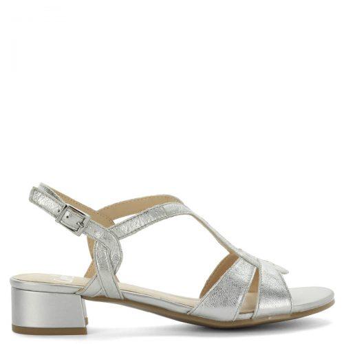 Kis sarkú ezüst Caprice szandál. Elegáns bőr szandál kényelmes, 3,5 cm magasságú sarokkal, csattal állítható. - ChiX Női Cipő Webáruház