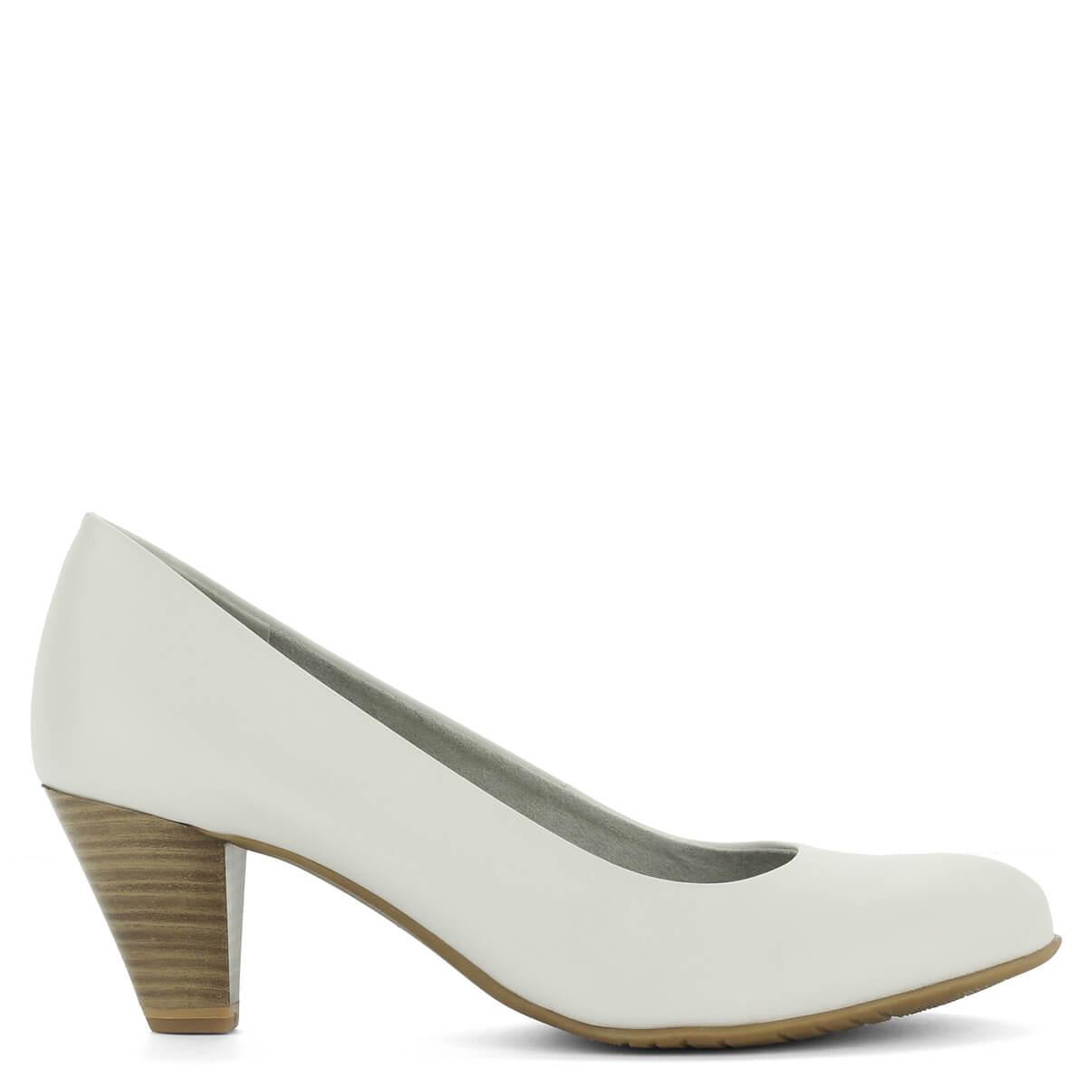 Fehér Tamaris cipő közepes sarokkal. Belsejében Touch It talpbélés fokozza  a kényelmet 8d98c1379f
