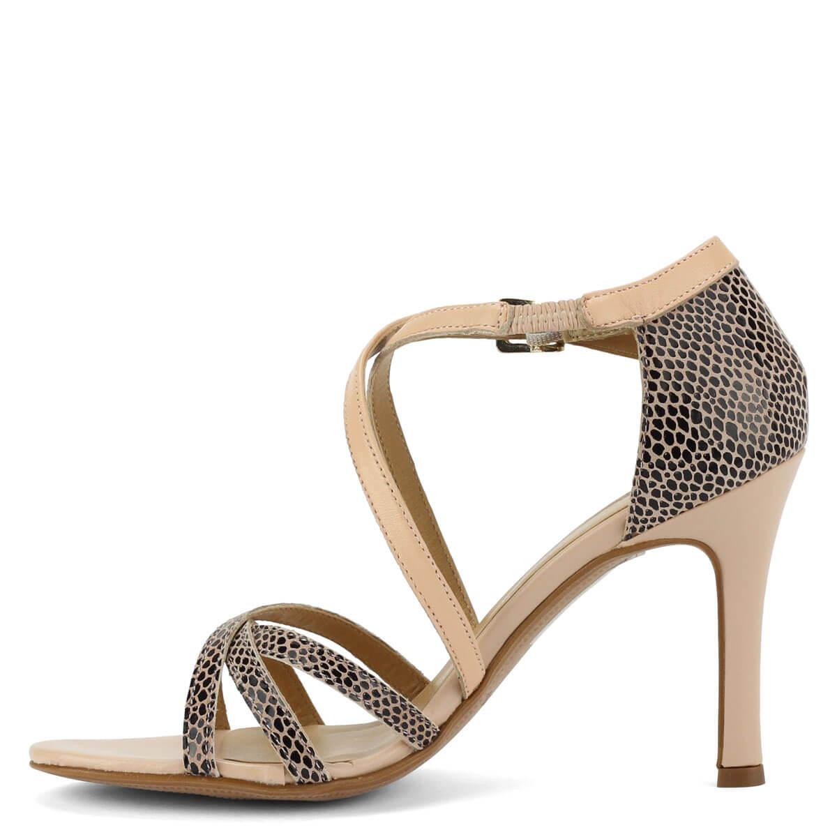 Keresztpántjai biztosan tartják a lábat  Magas sarkú pántos bőr Tamaris  szandál memóriahabos Touch it talpbéléssel. Keresztpántjai biztosan tartják  a lábat b571c8ff54