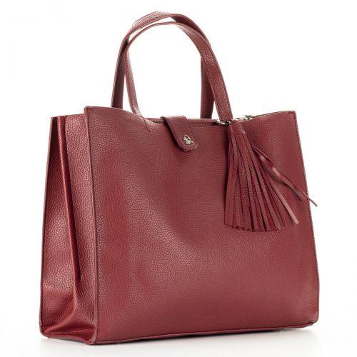 Bordó Diana & Co női táska. Belsejét egy középen található cipzáros rekeszel osztja ketté. Hosszú vállpánt tartozékként jár a táskához