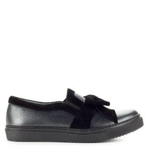 d8a6d5596c Carla Ricci masnis slipon bőr felsőrésszel, vastag gumi talppal. A cipő  puha párnázott talpbéléssel