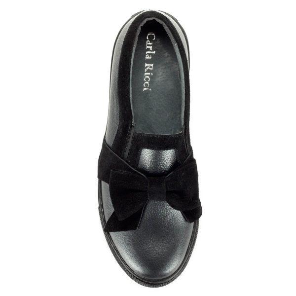 Carla Ricci masnis slipon bőr felsőrésszel, vastag gumi talppal. A cipő puha párnázott talpbéléssel készült. - ChiX Női Cipő Webáruház
