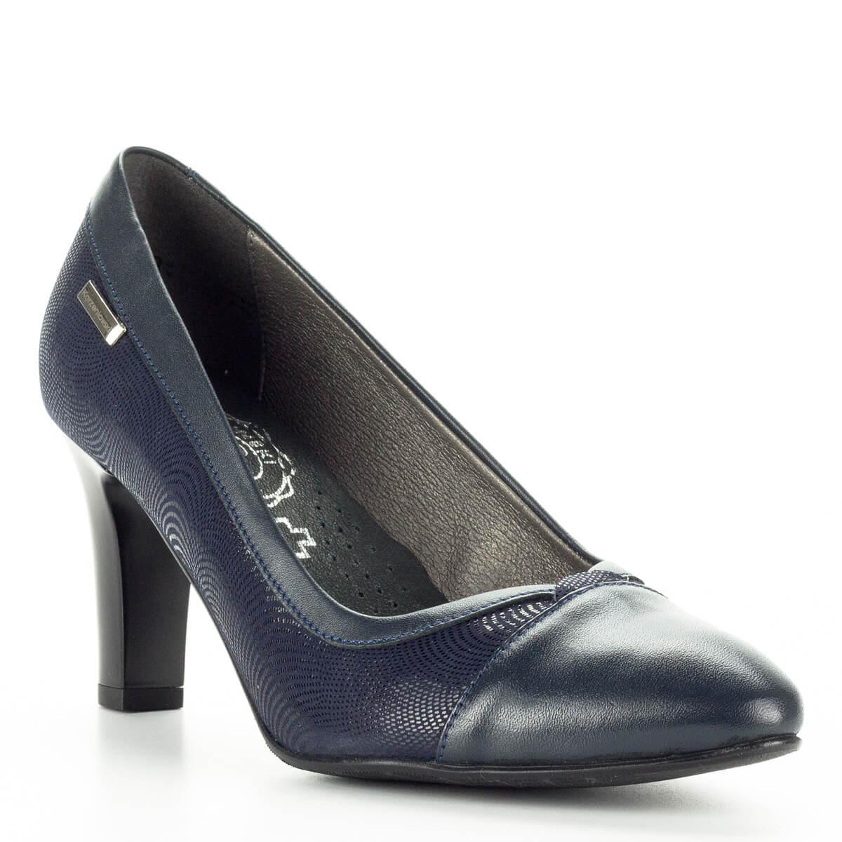 ... Korzeniowski kék női bőr cipő kétféle bőr kombinálásával készült.  Talpbélése puha bőr egész napra kényelmes ... 356a8b9c58