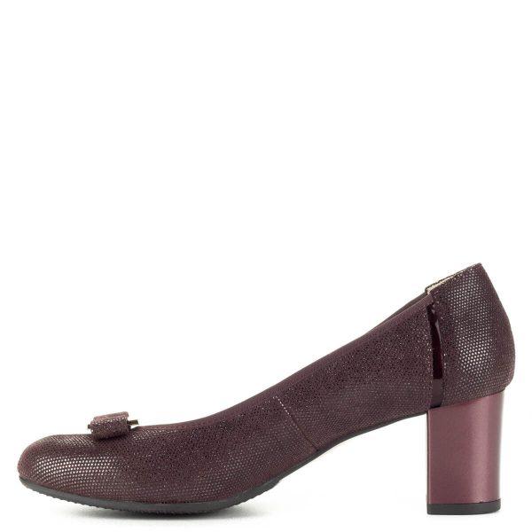 Anis bordó mintás magassarkú cipő bőr felsőrésszel, orrán masni dísszel. Sarka 6 cm magas, puha komfortos bőr talpbéléssel készült.
