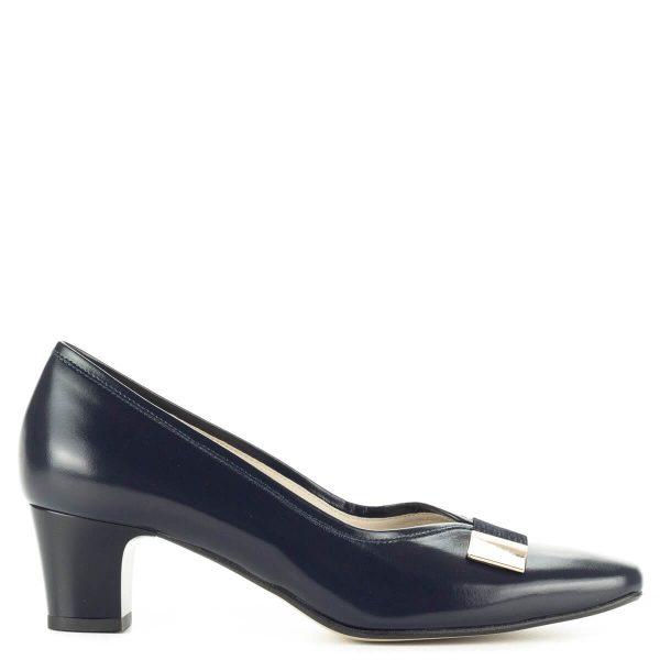 """Anis kis sarkú kék női bőr cipő kívül-belül bőrből, 5 cm magas """"kocka"""" sarokkal. Orrán arany színű fém díszítés található."""