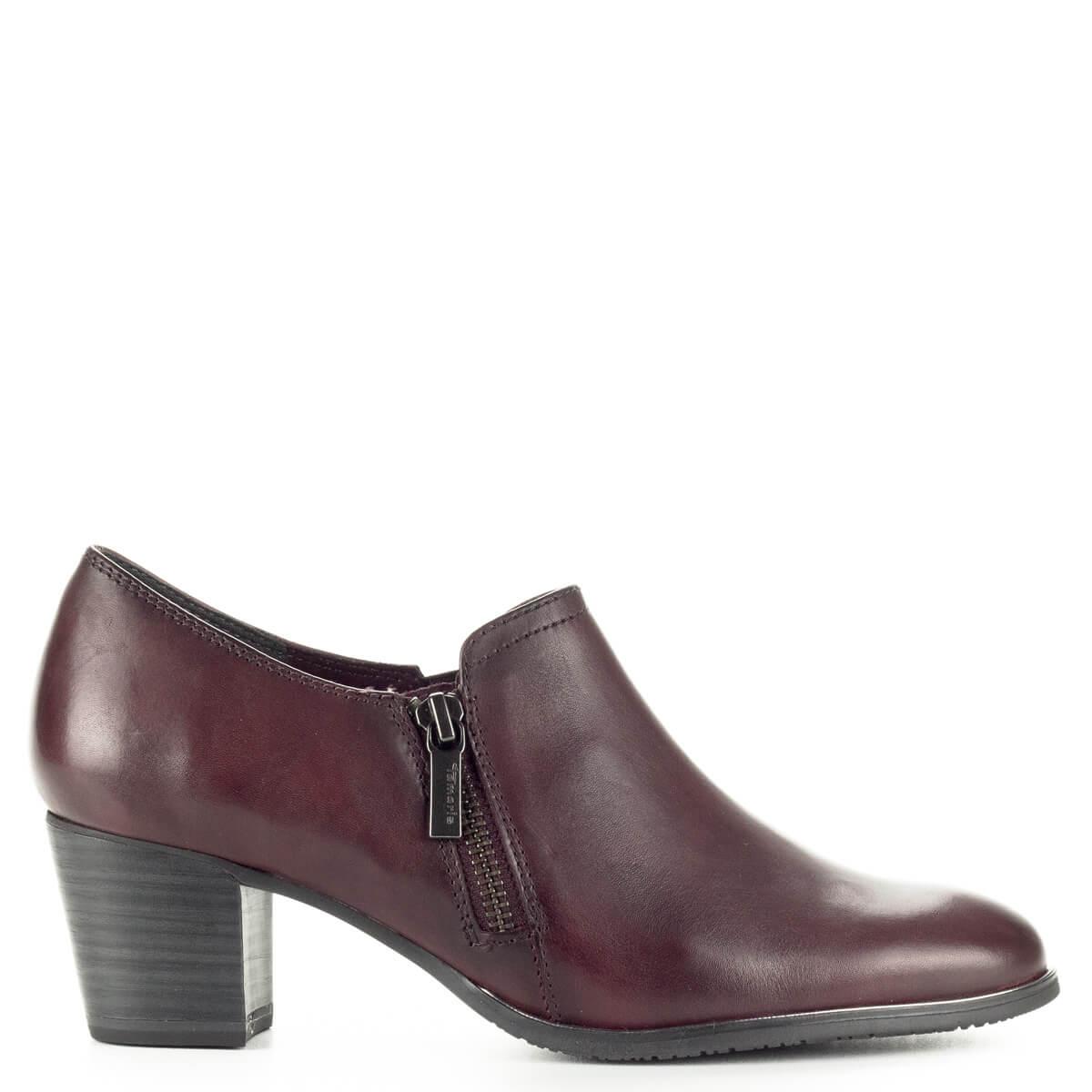 badaef2b50 Zárt Tamaris cipő fekete színben, bőr felsőrésszel. AntiShokk sarokkal  készült, belsejében puha talpbélés ...