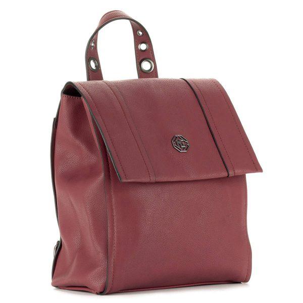 Bordó Marina Galanti hátitáska osztott belső térrel, telefon tartó zsebbel. A táska belsejében egy plusz cipzáros zseb is helyet kapott.