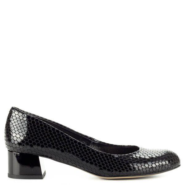 Fekete Kotyl lakk bőr cipő mintás felsőrésszel és bőr béléssel. Sarka kb 4 cm magas. Elegáns, kényelmes, klasszikus női alkalmi cipő.