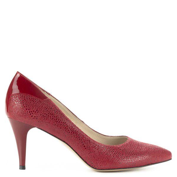Piros Anis körömcipő 7,5 cm magas sarokkal, bőr felsőrésszel és bőr béléssel. Sarok résznél lakk bőr betét díszíti.