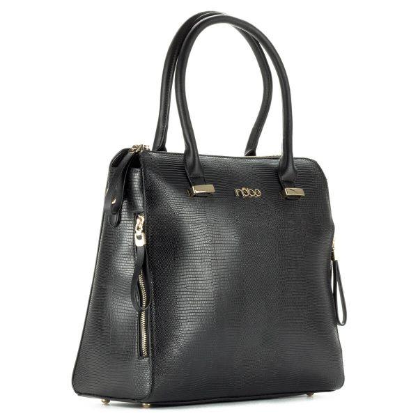 Fekete Nobo női táska. Nagy, egybefüggő belső térrel készült Nobo táska. Cipzárja és díszei arany színűek, felülete apró mintával díszített.