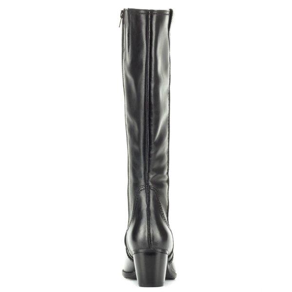 Kis sarkú fekete Tamaris bőr csizma meleg textil béléssel, gumi talppal. Klasszikus kerek orrú csizma, 5,5 cm magas sarokkal.