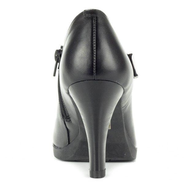 Magas sarkú Belle bőr cipő vastag gumi talppal, 8,5 cm magas sarokkal. Kívül belül bőrből készült, belső oldalán cipzáros csinos női cipő.