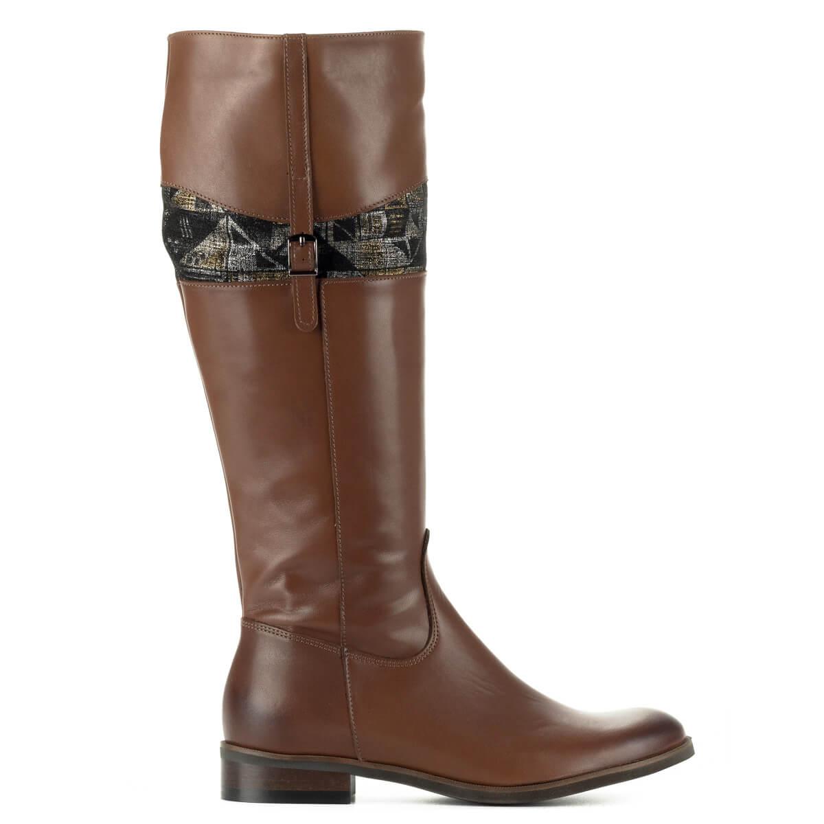 Stragórs barna lapos bőr csizma meleg textil béléssel. A csizma szárának  felső részében mintás betét ... d1199a4d37