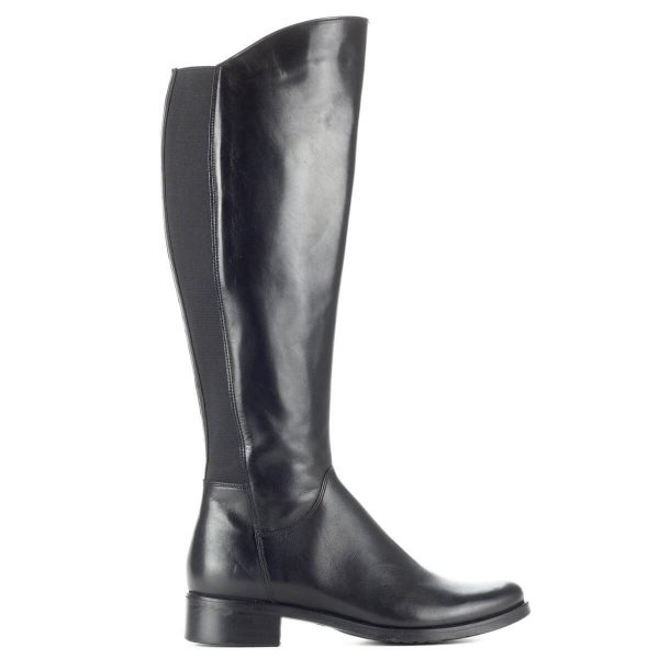 Fekete Bioeco bőr csizma meleg textil béléssel. Klasszikus lovagló fazonú csizma, a szár hátsó részében gumi betéttel.