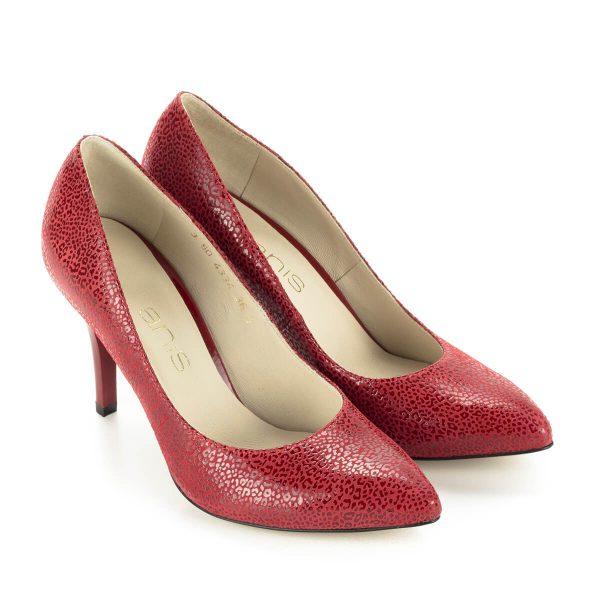 Anis alkalmi cipő piros színben 9 cm magas sarokkal, hegyes orral, különleges texturált felületű bőrből, bőr béléssel. Elegáns női cipő.