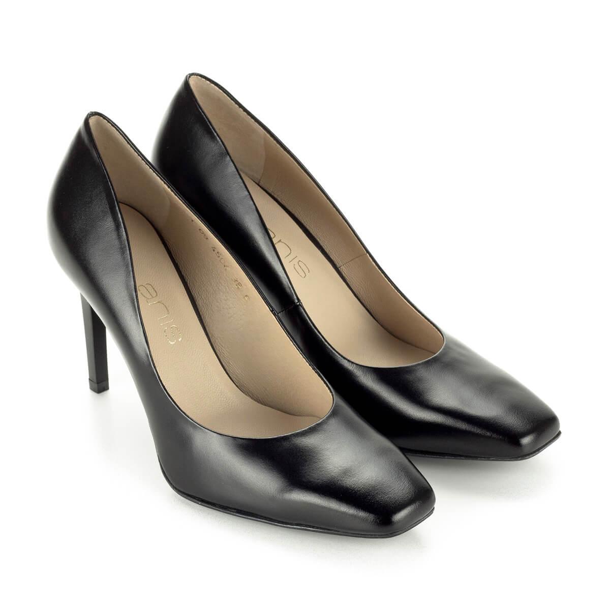 9a194a5625 Fekete Anis cipő vágott orral, 9 cm magas sarokkal. Kívül-belül bőrből  készült ...
