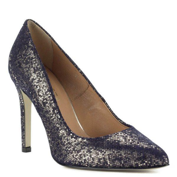 Magas sarkú Lukasz kék körömcipő csillogós bőr felsőrésszel és bőr béléssel. 9,5 cm magas sarokkal készült, gyönyörű alkalmi cipő.
