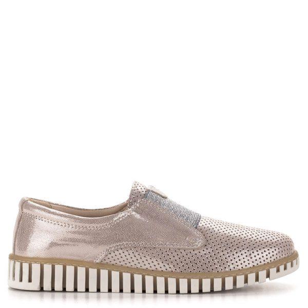Anna Viotti rózsaszín cipő, elején ezüst színű gumival. Anyaga kívül-belül puha bőr. Belebújós, kényelmes fazon. Ingyenes szállítással.