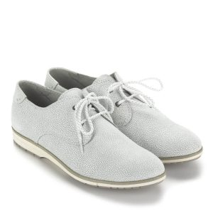 Fehér fűzős Marco Tozzi bőr cipő gumi talppal, memóriahabos talpbéléssel. Nagyon puha felsőrésze és bélése garancia az egész napos kényelemre.