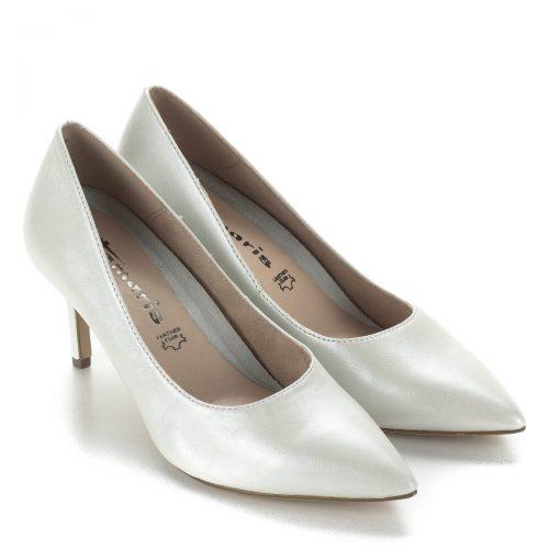 Fehér Tamaris magassarkú cipő 7 centis sarokkal, kivehető talpbetéttel. A cipő gyöngyház fényű bőrből készült, alkalmi viseletként is elegáns.