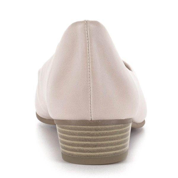 Marco Tozzi hegyes orrú lapos női cipő halvány rózsaszín színben. Sarka 3 cm, talpbélése puha memóriahabos bélés. Ingyenes szállítással rendelhető.