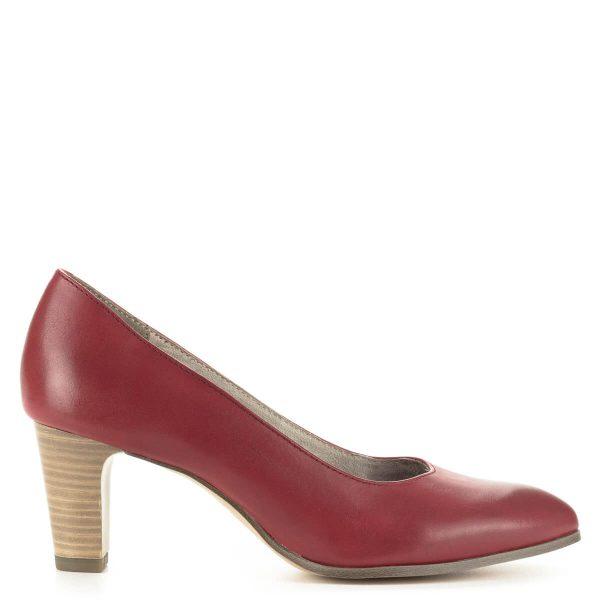 Piros Tamaris magassarkú cipő kb 6,5 cm magasságú, AntiShokk technológiájú sarokkal. Kényelmes, nőies darab. Ingyenes szállítással rendelhető.