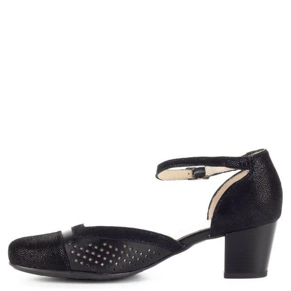 Alpina bokapántos női szandálcipő széles, H szélességű talppal. Stabil sarka 5 cm magas, felsőrésze lyukacsos. Kívül-belül bőr cipő.