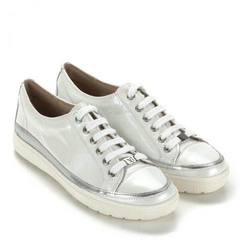 Caprice fehér fűzős női cipő bőrből. Kényelmes, divatos, fiatalos gumi talpú cipő.