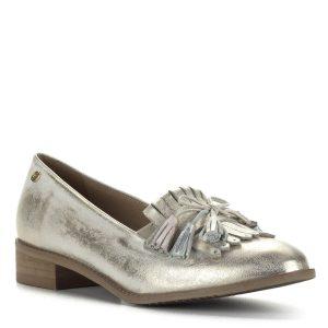 Carla Ricci arany bőr cipő 2,5 cm magasságú sarokkal. Díszei és arany színű csillogása eleganciát kölcsönöznek a cipőnek.