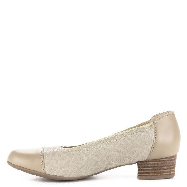 Kis sarkú bézs Alpina cipő, körben gumis szegéllyel, G szélességű talppal. A cipő kívül-belül bőr, sarka 3 cm magas. Ingyenes kiszállítással rendelhető.